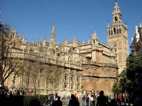largest-church-in-the-world-3rd-cathedral-of-sevilla
