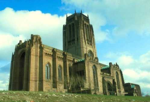 largest-church-in-the-world-5th-Liverpool-Cathedral-United-Kingdom