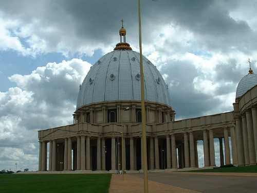 largest-church-in-the-world-9th-Basilica-of-Our-Lady-of-Peace-Ivory-Coast