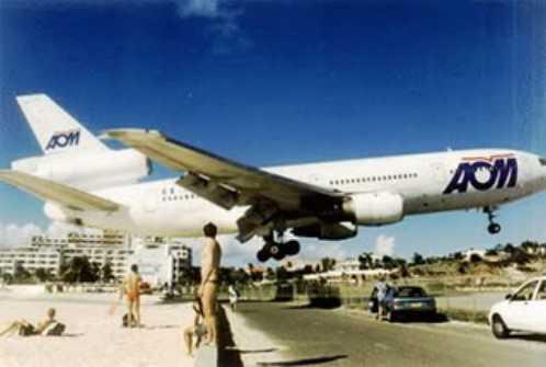 most-dangerous-airports-Princess-Juliana-International-Airport-Saint-Martin-2