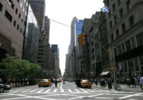 most-expensive-streets-in-the-world-Fifth-Avenue-New-York-City-US