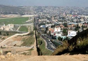 The border between USA and Mexico [Fwd: Sharon Rajkumar]