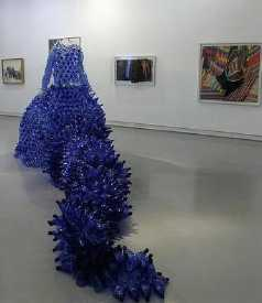 plastic-bottles-sculpture-13