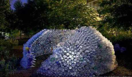 plastic-bottles-sculpture-14