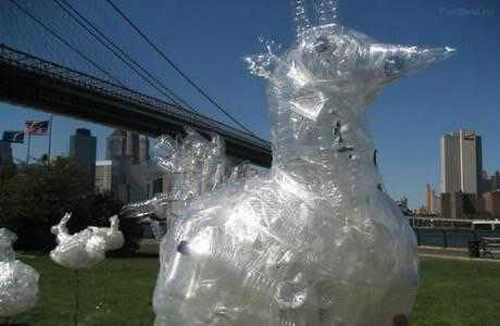plastic-bottles-sculpture-7