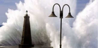 lighthouse_monsterwaves_1.jpg
