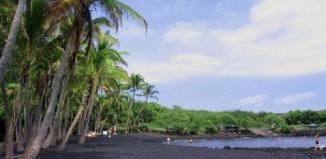black_beach_1.jpg