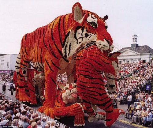 flower parade 2