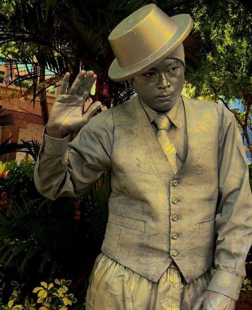 living statue 19