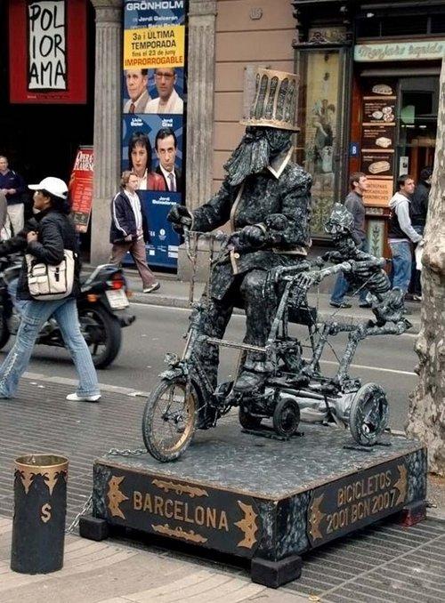 living statues 12