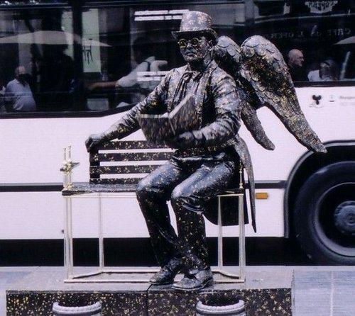 living statues 13
