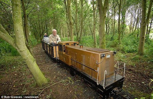 pensioner loves train 3