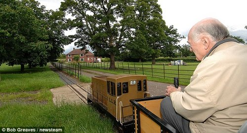 pensioner loves train 7