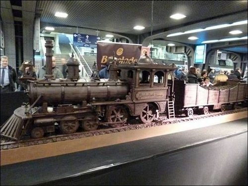 train made of chocolate 2