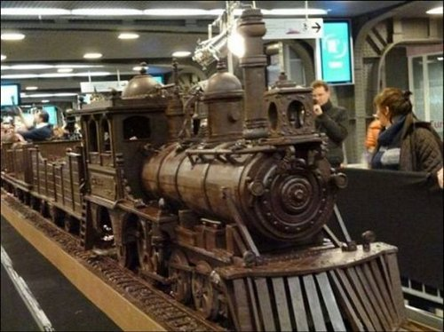 train made of chocolate 3
