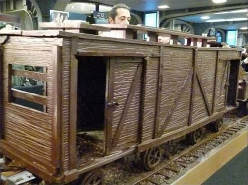train made of chocolate 4