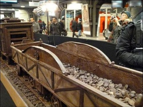 train made of chocolate 5