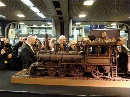 train made of chocolate 6