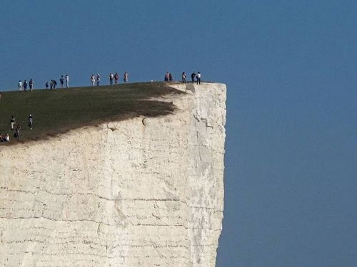 beachy head suicide 2