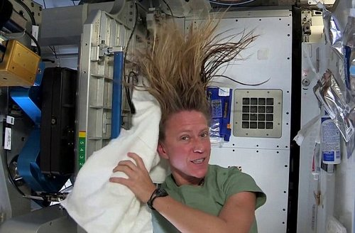 hair wash in space 4