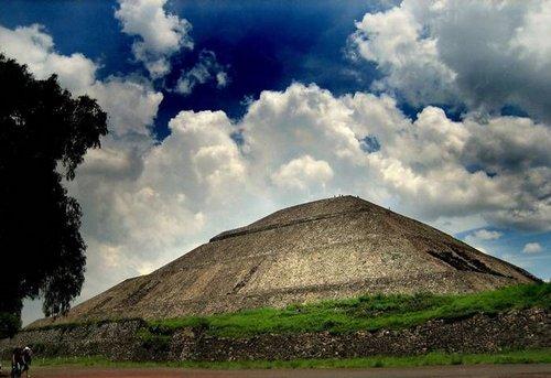 Olmec pyramids clipart